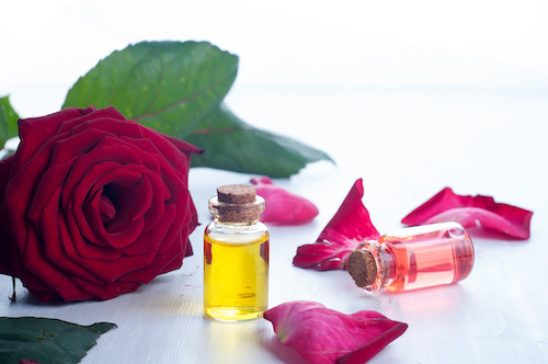 How to Use Essential Oils to Heal Your Body | Naturopathic Dr