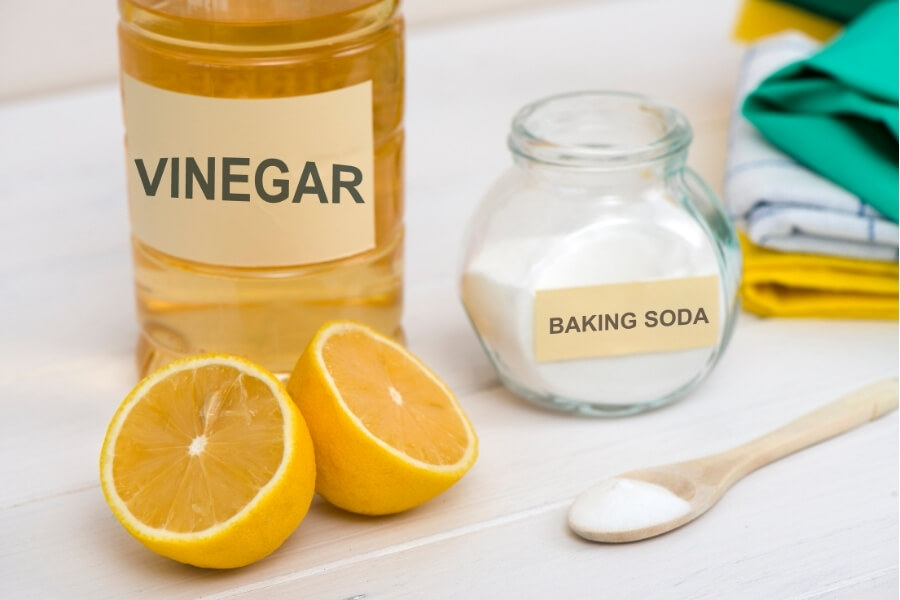 Vinegar & Baking Soda Cleaner